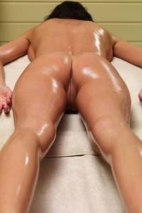 Model Orsi in Massage