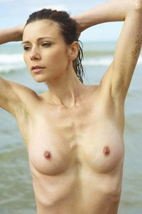 Model Tania in Wet and Beautiful