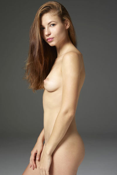 Model Jenna in Fine Art Nudes