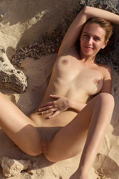 Model Alisa in Ibiza Makes You Horny
