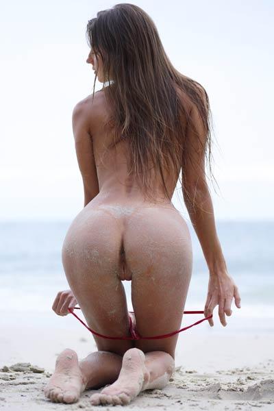 Model Melena Maria in Beach Body