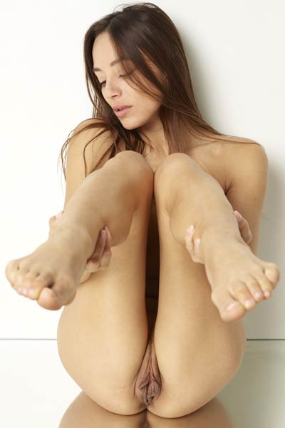 Model Dominika C in Pussy party