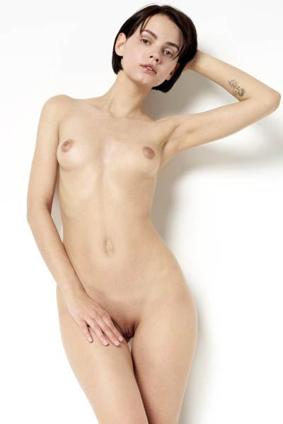 Model Ariel in Aphrodisiacal