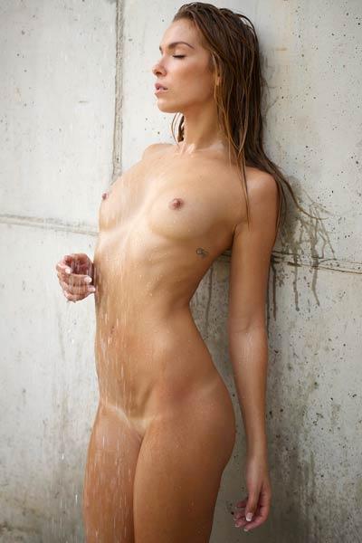 Model Amber in Hot Wet Day