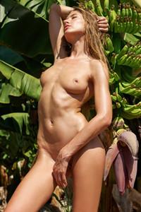 Model Taya in Banana Nudes