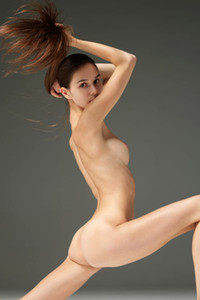Model Leona in Nude Photography