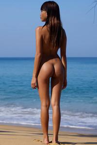 Model Jessa in nudist