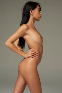 Model Jessa in Figure And Form