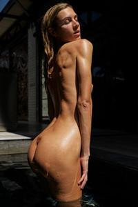 Model Francy in Flawless female figure