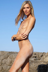 Model Francy in Top nude model