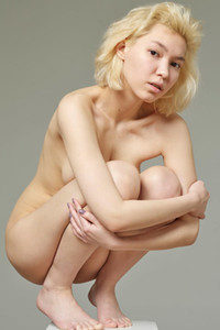 Model Lily in Nude Statue
