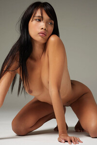 Model Jessa in Form And Figure