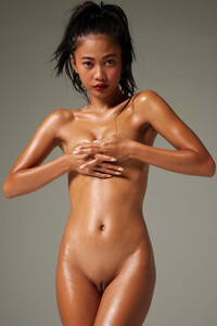 Model Hiromi in Naked Perfection