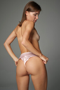 Model Ani in Silky Sexy