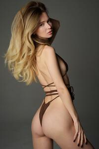 Model Annalina in Hegre Debut