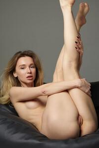 Model Annalina in Sensual